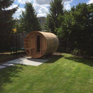 BSKN365V Knotty Cedar  met extra kleedruimet incl. houtkachel en rookgasafvoer